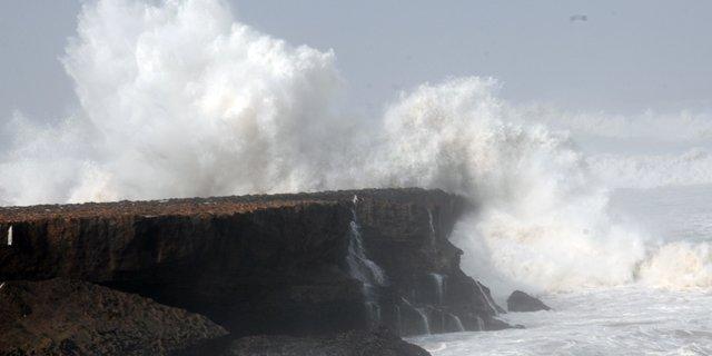 Grosses vagues sur le Maroc